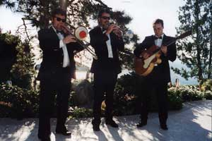 Salon du Swing trio at the Highlands
